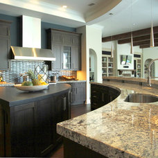 Contemporary Kitchen by Lendry Homes