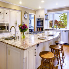 Traditional Kitchen by Your Total Renovation