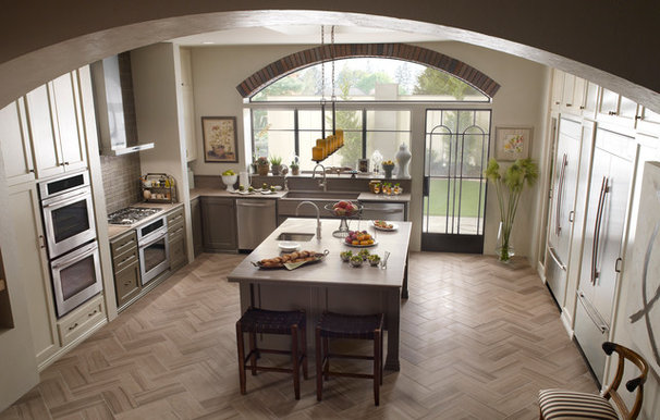 Contemporary Kitchen by Jenn-Air