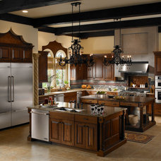 Traditional Kitchen by Universal Appliance and Kitchen Center