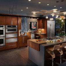 Contemporary Kitchen by Universal Appliance and Kitchen Center