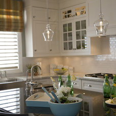 contemporary kitchen by Jennifer Brouwer (Jennifer Brouwer Design Inc)