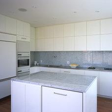 Modern Kitchen by Jensen Architects