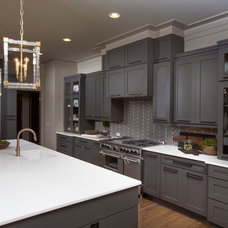 transitional kitchen by Romanelli & Hughes Custom Home Builders