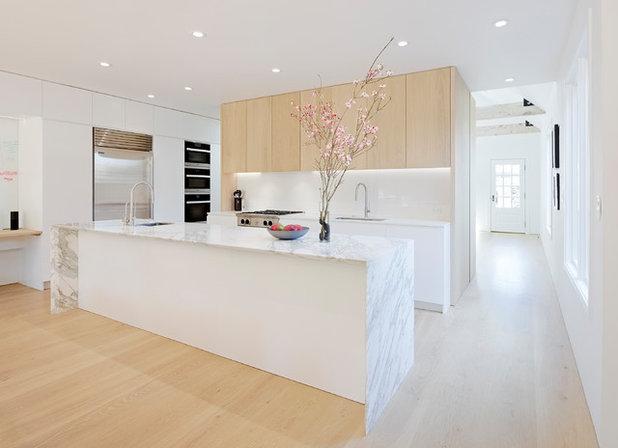 Modern Kitchen by Hayasa Flooring Design, Inc