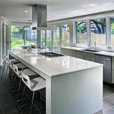 Modern Kitchen by Webber + Studio, Architects