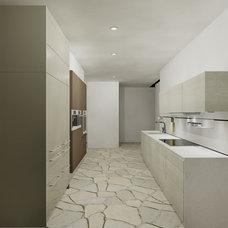 Contemporary Kitchen by Kitchen Studio Monterey