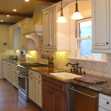 Traditional Kitchen by JM Designs