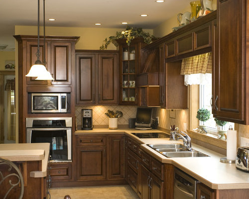 8 foot ceilings kitchen design ideas remodels photos for Kitchen cabinets for 7 foot ceilings