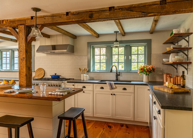 Farmhouse Kitchen by Cummings Architects