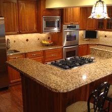 Kalahari Gold Granite With Tile Backsplashes