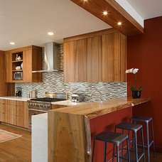 Contemporary Kitchen by Kathy Bloodworth Interior Design