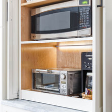 Pantry/cabinet