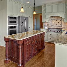 Traditional Kitchen by Knight Construction Design | Chanhassen, Minnesota