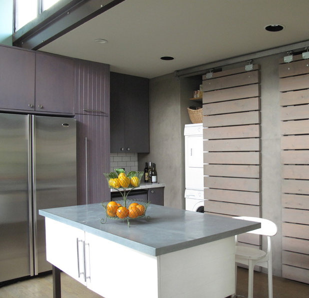 Contemporary Kitchen by artdecor
