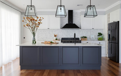 Houzz Tour: A Knockdown-Rebuild With an Elegant Hamptons Vibe