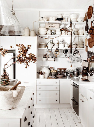 Shabby-chic Style Kitchen by Kara Rosenlund