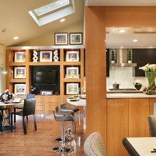 Contemporary Kitchen by KARLA TRINCANELLO-CID - INTERIOR DECISIONS, INC.