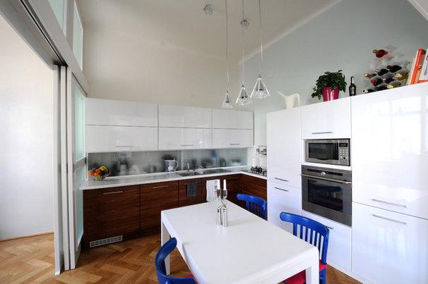 Modern Kitchen by bcSTUDIO