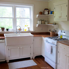 Farmhouse Kitchen by Amish Loft