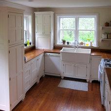 Farmhouse Kitchen by Amish Loft