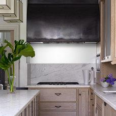 Eclectic Kitchen by Kathryn Scott Design Studio Ltd