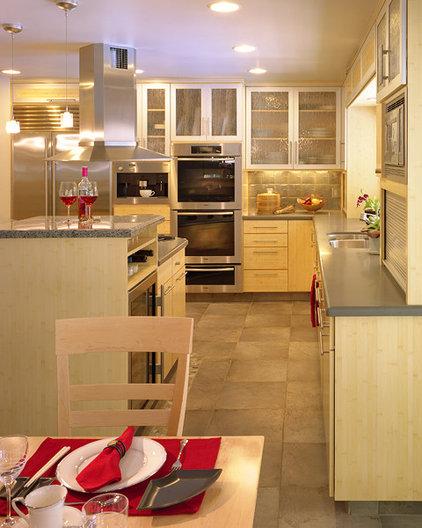Modern Kitchen by Kathy Bate, ASID, CAPS