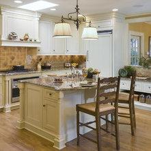 traditional kitchen by kingsley belcher knauss asid breakfast area lighting