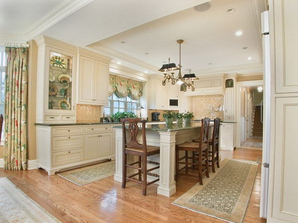 Traditional Kitchen by Kingsley Belcher Knauss, ASID