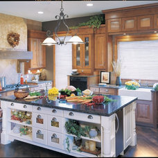 Traditional Kitchen by The Kitchen Showcase, Inc.