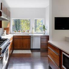 Transitional Kitchen by Keller Studio Inc.