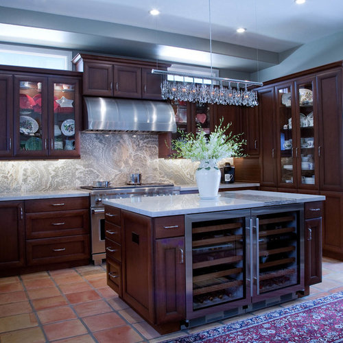 Country Kitchen With Maple Shaker Cabinets And Terra Cotta: Kitchen Design Ideas, Renovations & Photos With Dark Wood