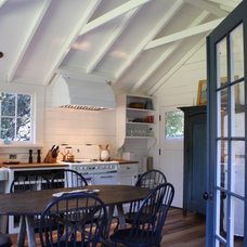 Farmhouse Kitchen by robert kelly