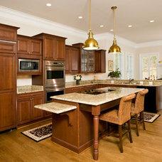 Traditional Kitchen by Rinehart Custom Homes