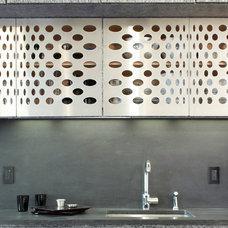 Contemporary Kitchen by SLADE ARCHITECTURE