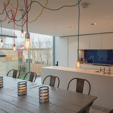 Contemporary Kitchen by Joel Antunes photography
