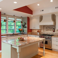Traditional Kitchen by Kitchen Elements