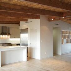 Modern Kitchen by Jamie B. Myer Architects, Inc