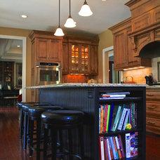 Traditional Kitchen by Terra Nova Construction
