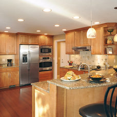 Traditional Kitchen by Remodeling Designs, Inc.