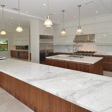 Contemporary Kitchen by kevin akey - azd architects - michigan