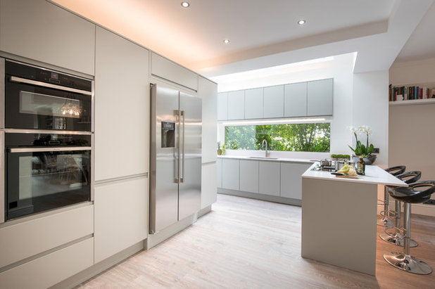 Contemporary Kitchen by Lisa Melvin Design
