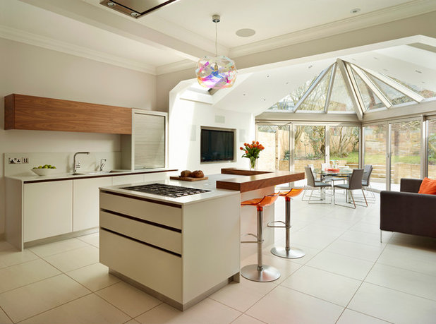 Contemporary Kitchen by Paul Wiggins Architects