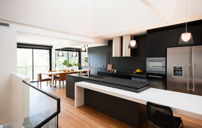 Houzz Tour: House on a Slope Goes Upside Down to Let In Light