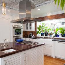 Beach Style Kitchen by NIELSEN DYE DESIGN, INC.