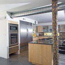 Modern Kitchen by CRFORMA DESIGN:BUILD
