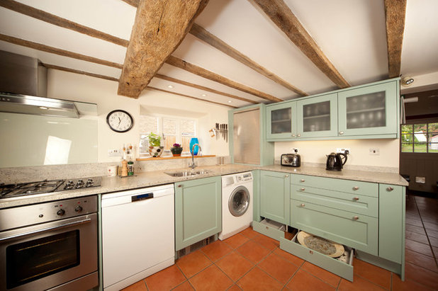 Traditional Kitchen by Simple Kitchens (Thame) Ltd