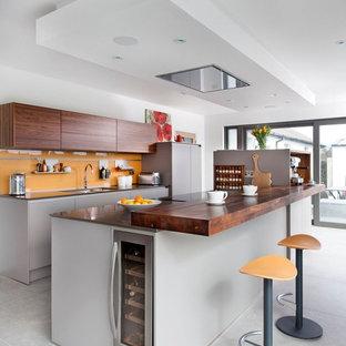 ベルファストのコンテンポラリースタイルのおしゃれなキッチンの写真