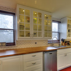 Traditional Kitchen by Martin Pepe Photography