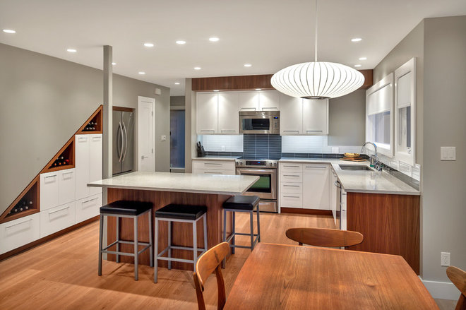 Contemporary Kitchen by DBW Contracting